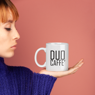 The Duo Caffe logo represented on a coffee mug